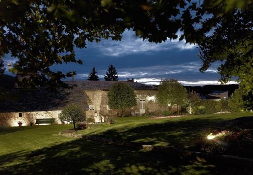 fachada-exterior-desde-jardines